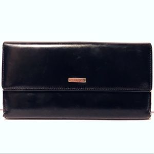 13dd4187ad31 Gucci Bags - Authentic black leather Gucci long wallet